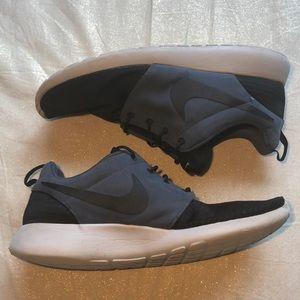 Nike Roshe Run Men's 13